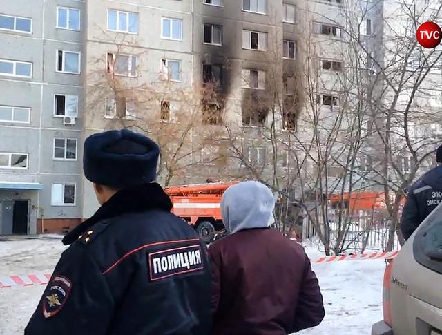 Полиция на месте взрыва газа в жилом доме