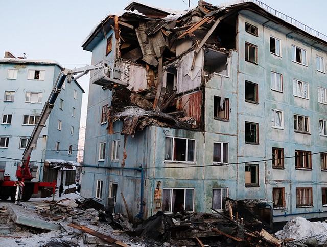 Многоквартирный жилой дом на улице Свердлова в Мурманске, пострадавший от взрыва бытового газа
