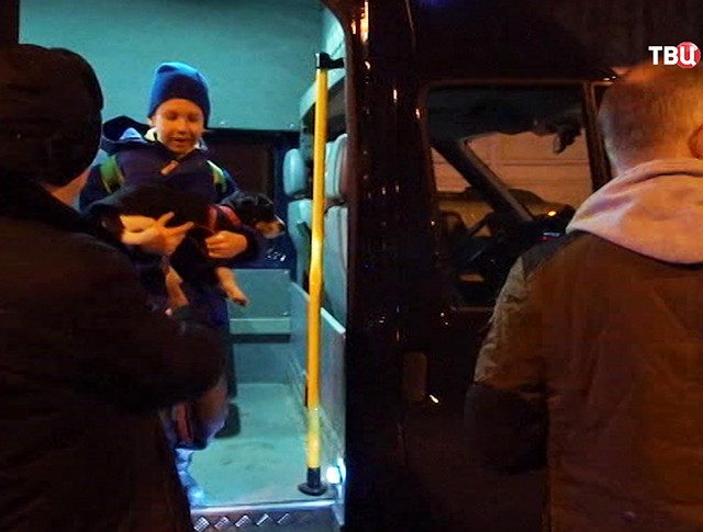 Российские дипломаты вернулись из Лондона в Москву