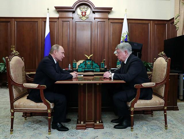 Владимир Путин и новый чрезвычайный и полномочный посол России в Республике Казахстан Алексей Бородавкин