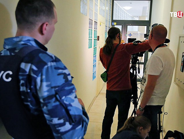 "Силовики в офисе агентства ""РИА Новости Украина"""