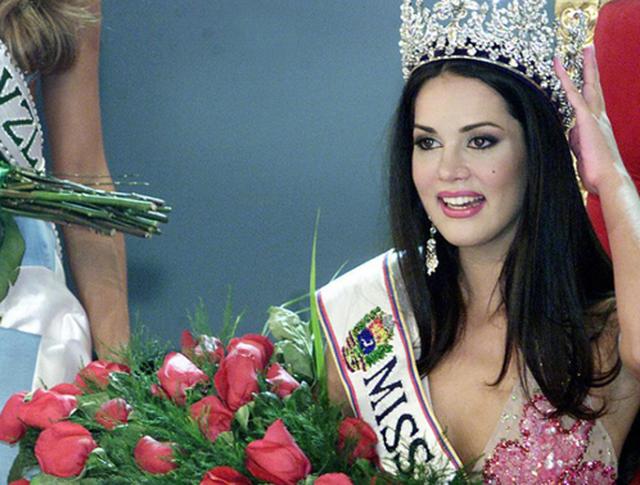 """Бывшая """"Королева красоты"""", актриса и телеведущая Моника Спир"""
