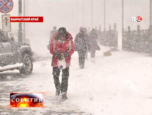 На Камчатку обрушился мощный снегопад
