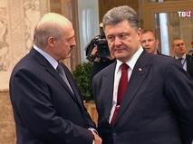 Президент Белорусии Александо Лукашенко и президент украины Пётр Порошенко