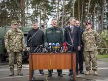 Президент Украины Пётр Порошенко дал старт командно-штабным учениям бойцов Нацгвардиии и военнослужащих армии США