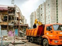 Снос незаконно построенного здания