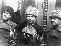 Леонид Никитович Хрущев, сын Н.С.Хрущева (в центре)