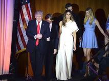 Избранный президент США Дональд Трамп с семьёй