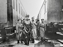 Николай II на железной дороге