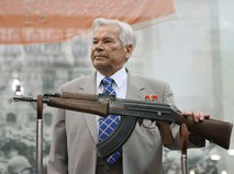 Конструктор-оружейник Михаил Калашников