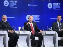 Владимир Путин принимает участие в пленарном заседании Санкт-Петербургского международного экономического форума - 2017