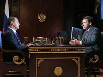 Дмитрий Медведев и временно исполняющий обязанности губернатора Свердловской области Евгений Куйвашев