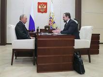 Владимир Путин и министр природных ресурсов и экологии РФ Сергей Донской