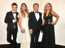 Александр Малинин с семьёй