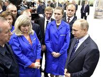 Владимир Путин осмотрел цеха Уфимского моторостроительного завода