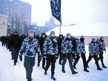 """На Украине появились """"Национальные дружины"""", которые патрулируют улицы"""
