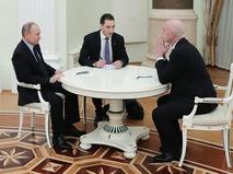Владимир Путин и президент Международной федерации футбольных ассоциаций (FIFA) Джанни Инфантино