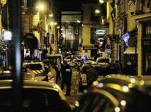 В центре Парижа неизвестный напал с ножом на прохожих