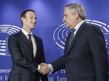 Основатель Facebook Марк Цукерберг и председатель Европарламента Антонио Таяни