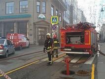 На Большой Дмитровке горело соседнее с Домом педагогической книги здание
