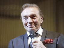 Чешский певец Карел Готт