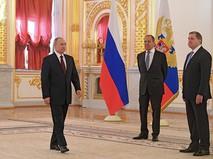 Владимир Путин, Сергей Лавров и Юрий Ушаков на церемонии вручения верительных грамот