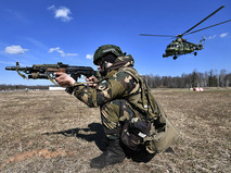 Военнослужащий во время тактических учений