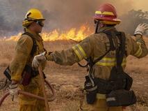 Тушение лесного пожара в Калифорнии