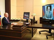 Владимир Путин и Михаил Развожаев общаются по видеосвязи
