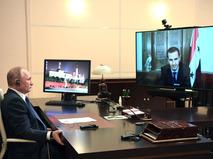 Владимир Путин во время встречи с президентом Сирии Башаром Асадом