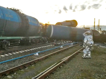 Грузовой состав с цистернами мазута сошел с рельсов во Владимирской области