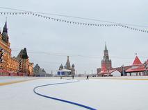 Заливка катка на Красной площади