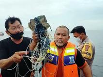 Последствия крушения Boeing 737 в Индонезии