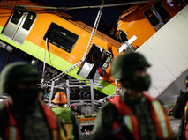 Крушение метромоста в Мехико