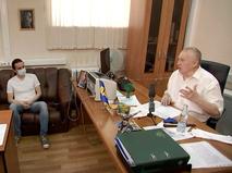 Владимир Жириновский проводит прием граждан