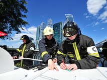 Учения спасателей в комплексе Москва-Сити