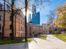 Сергей Собянин осмотрел итоги благоустройства территории детской больницы имени Сперанского