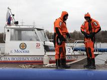 Подготовка спасателей и водолазов перед началом зимнего периода в Москве