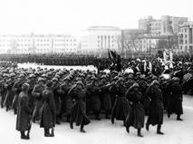 Торжественный марш, посвященный 72-ой годовщине Парада на Красной площади 7 ноября 1941 года. Прямая трансляция.