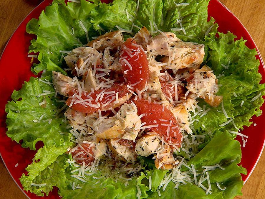 Л, черный молотый перец, травы — по вкусу, листья салата., оливковое масло — 1 ст.