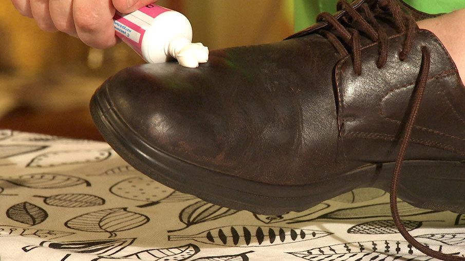 65324759e Смягчить кожу на обуви и разгладить складки поможет обычный крем для рук