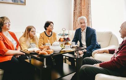 Собянин зашел в гости к переселенцам по программе реновации