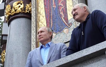 Путин и Лукашенко перед переговорами заглянули в монастырь