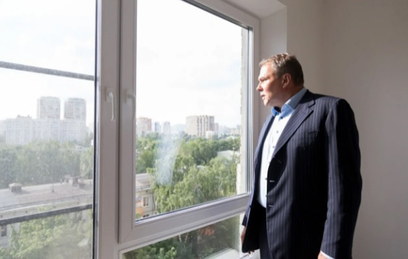 Петр Толстой проинспектировал новостройку по реновации в Кузьминках