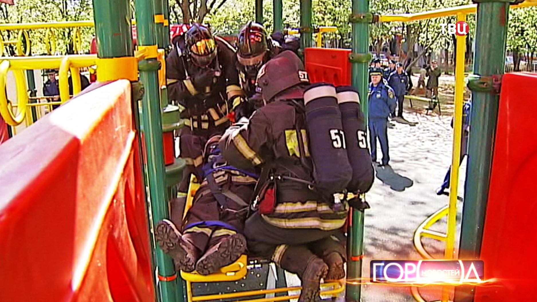 Учения пожарных в условиях максимально приближенных к реальным