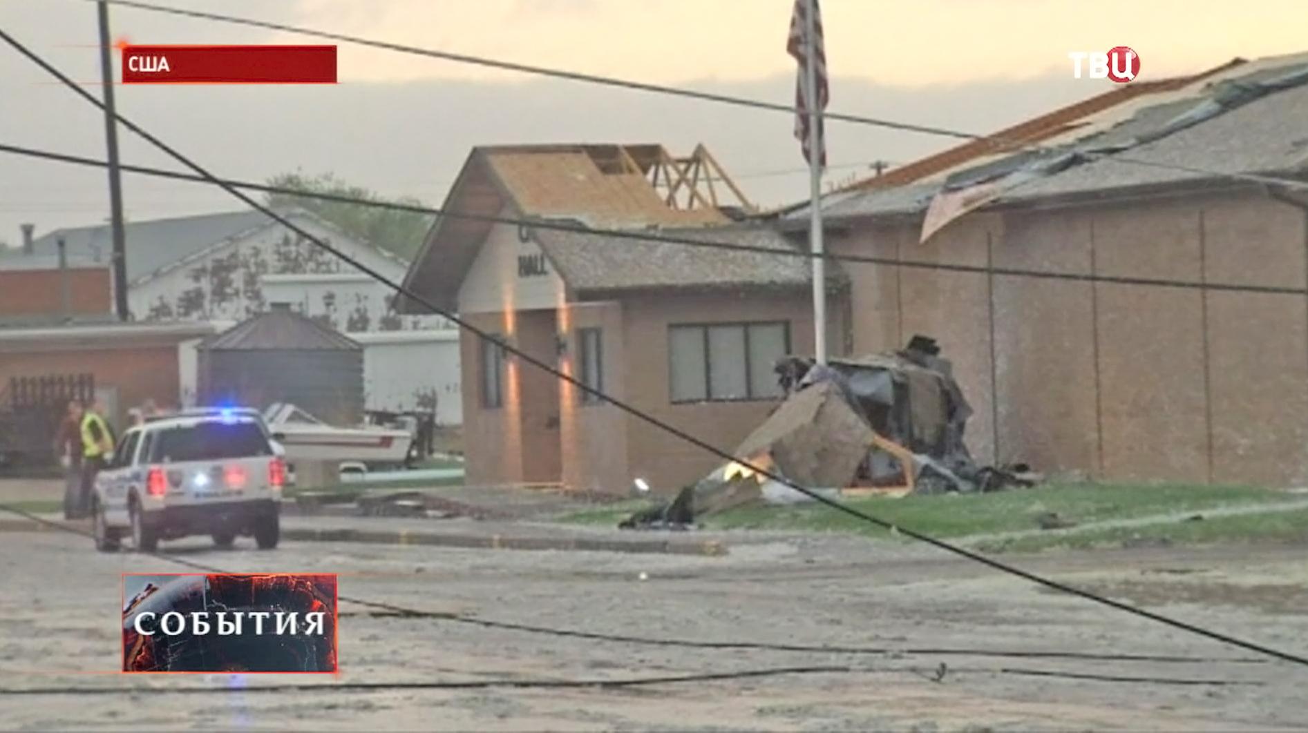 Мощный торнадо обрушился на США