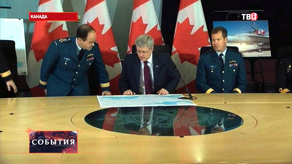 Премьер-министр Канады Стивен Харпер на заседании