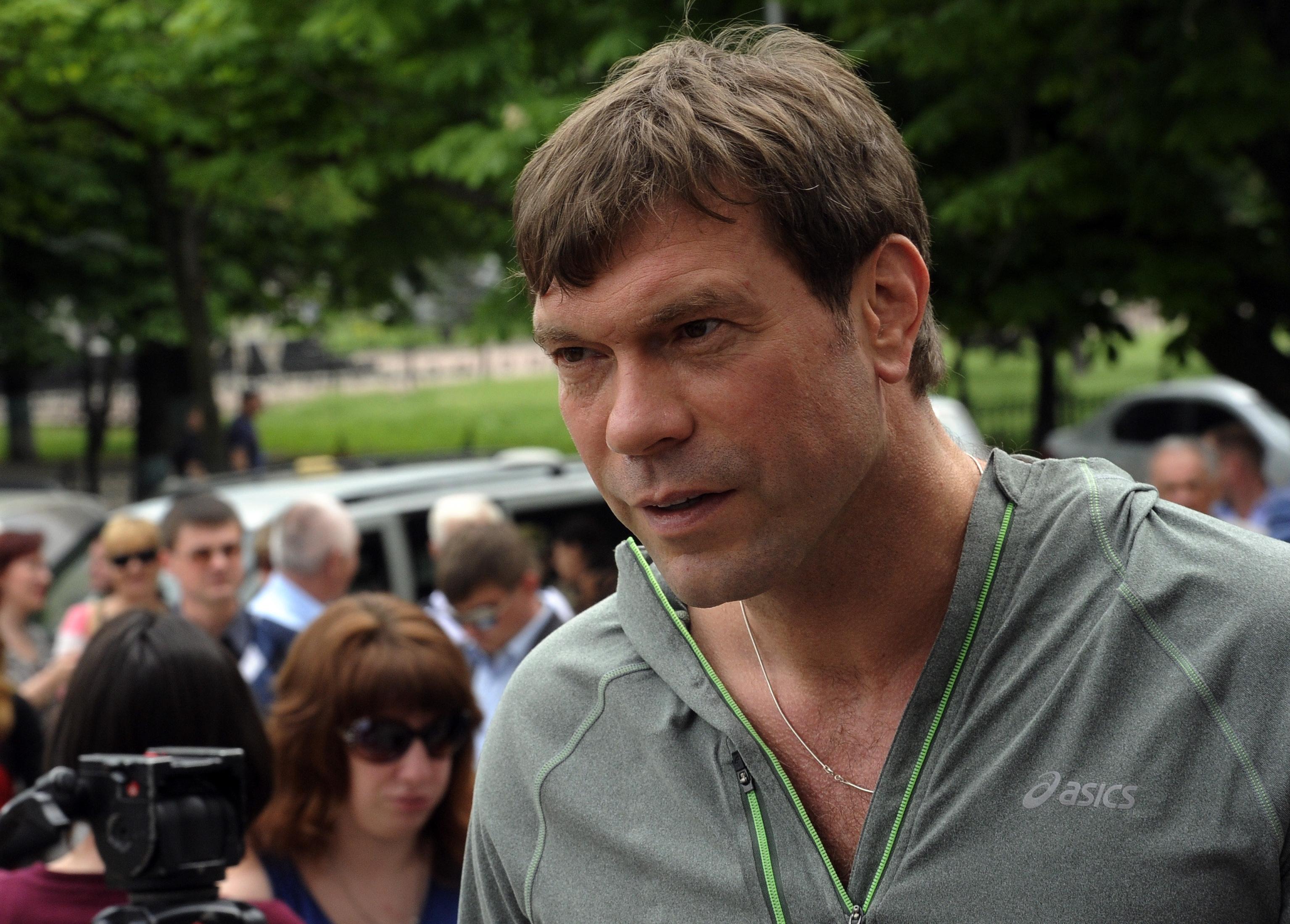 Депутат Олег Царев