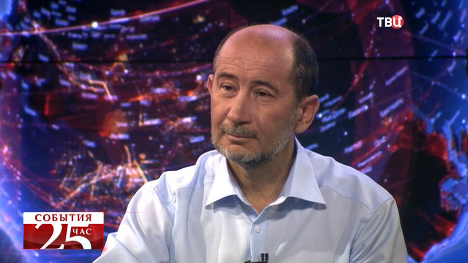 Профессор МГУ, доктор экономических наук Александр Бузгалин