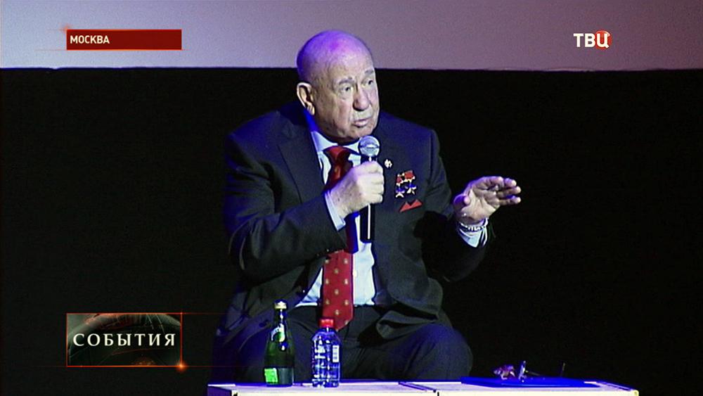 Летчик-космонавт Алексей Леонов